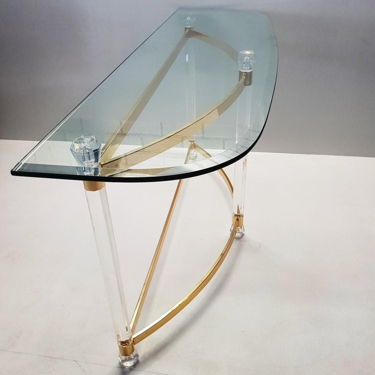 French Brass and Lucite Console Table with Facet Glass Top, 1970s For Sale 4
