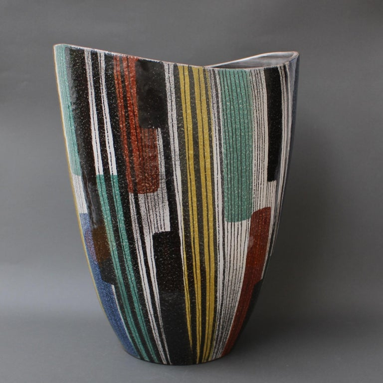 Very Large Midcentury Italian Ceramic Vase, circa 1950s For Sale 7