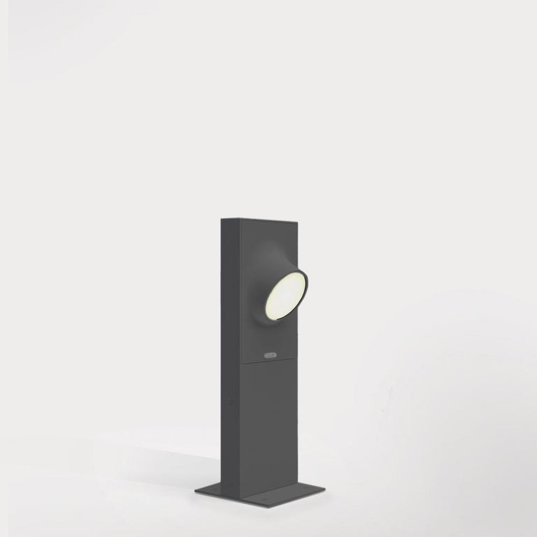 An eye of outdoor light for pathways, Ciclope is available in wall and floor models, in various sizes and finishes, emitting unilateral or bilateral light.   The Ciclope family enhances any outdoor space with simple design and high-efficient