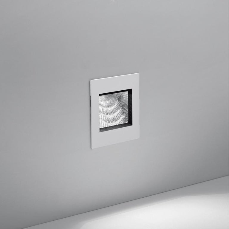 Aria is a modern wall recessed mounted luminaire with direct light emission from high-performance LEDs. Available in 2 sizes, in white or grey, Aria is a functional ambient light source when placed in any residential or commercial interior or