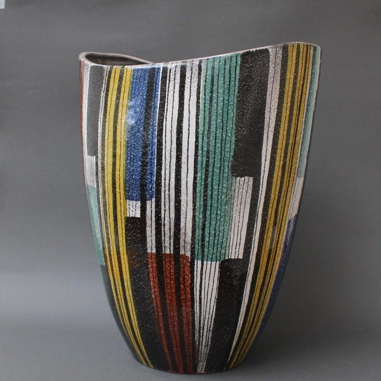 Very Large Midcentury Italian Ceramic Vase, circa 1950s For Sale 3
