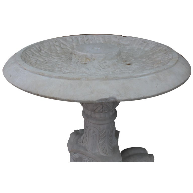 Baroque Revival Whimsical English 19th-20th Century White Marble Figural Outdoor Dog Fountain For Sale
