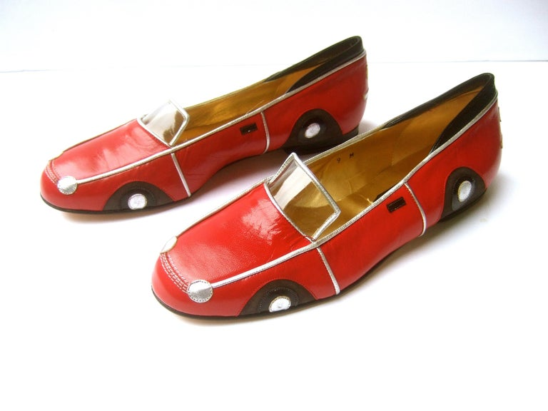 Whimsical Red Leather Sports Car Design Shoes by Zalo US Size 9 M c 1990 In Excellent Condition For Sale In Santa Barbara, CA