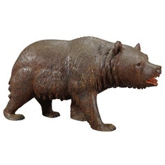 Whimsy Wooden Bear Carved in Brienz, circa 1920