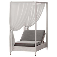 White 1-Seat Daybed with Canopy