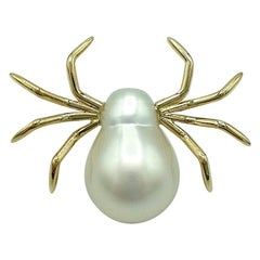White 18 Karat Yellow Gold Pearl Pin Spider Made in Italy