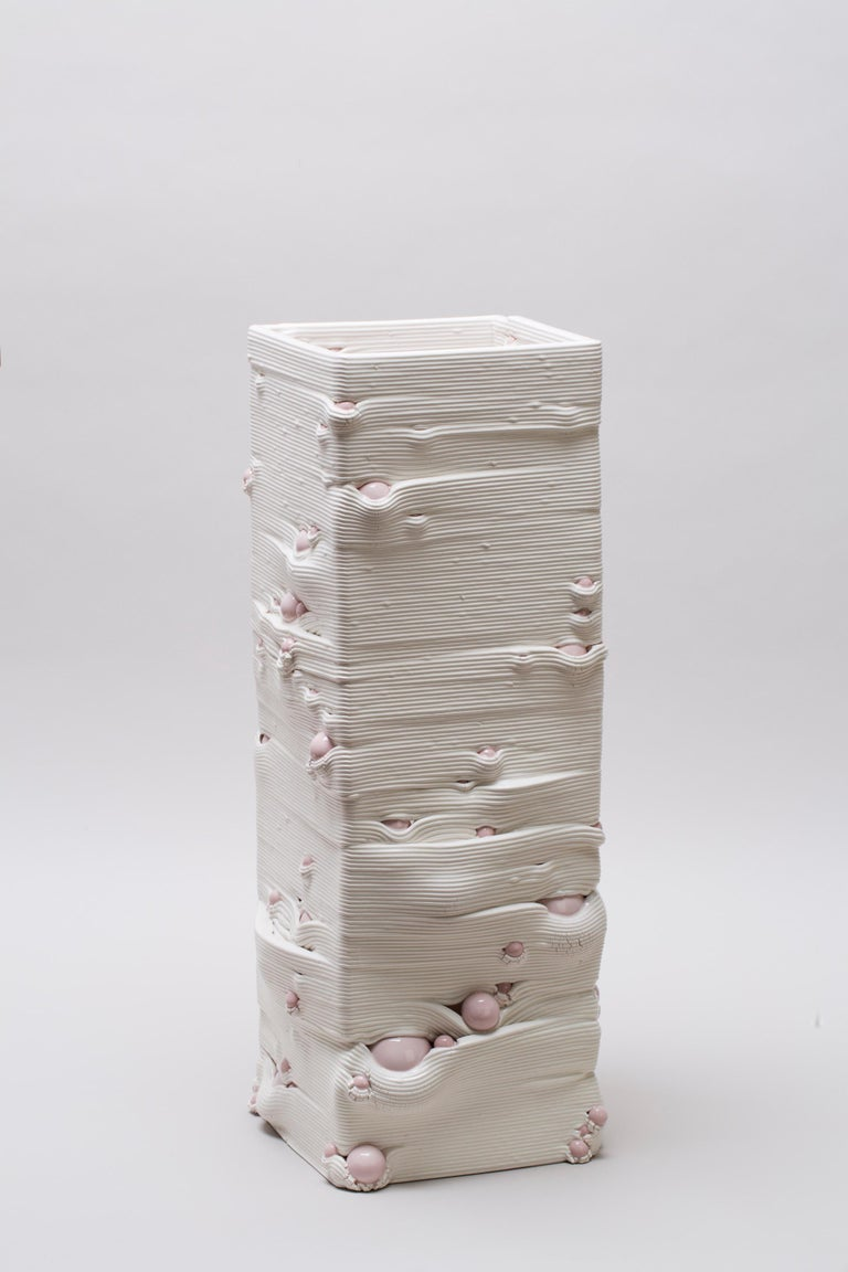 White 3D Printed Ceramic Sculptural Vase Italy Contemporary, 21st Century For Sale 1