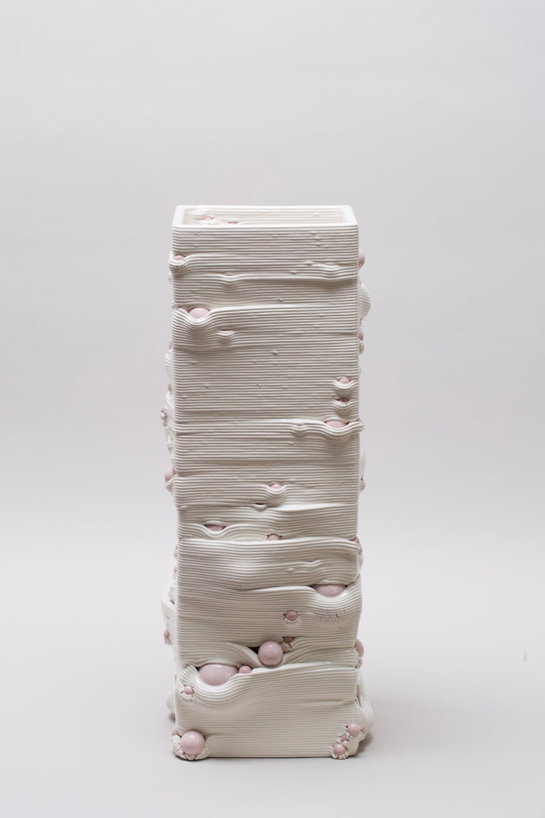 White 3D Printed Ceramic Sculptural Vase Italy Contemporary, 21st Century For Sale 2