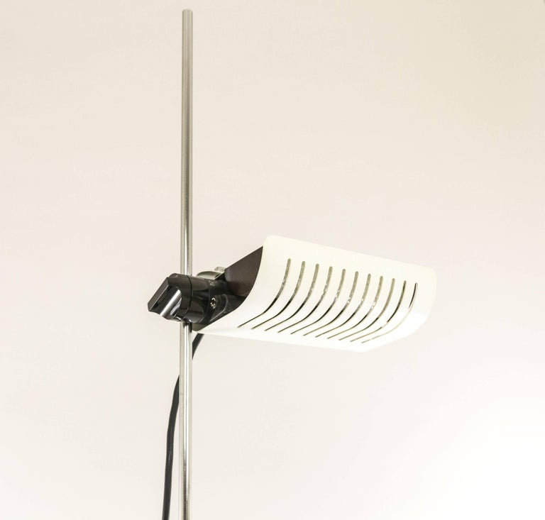 White Adjustable Floor Lamp Model 626 By Joe Colombo For O Luce 1970s For Sale At 1stdibs
