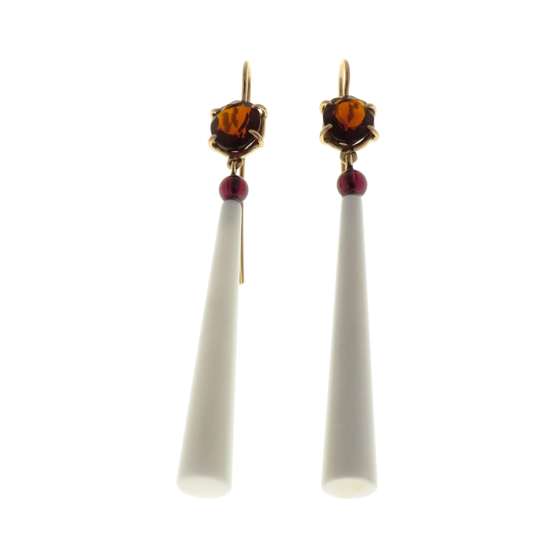 White Agate Garnet 9 Karat Rose Gold Dangle Earrings Handcrafted in Italy