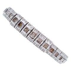 9,30 carat White and Fancy Diamonds, 14 Karat White Gold Retrò Bracelet