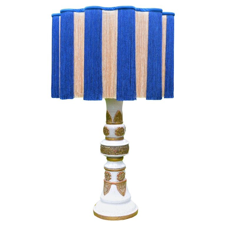 White and Gold French Ceramic Table Lamp, circa 1960 For Sale