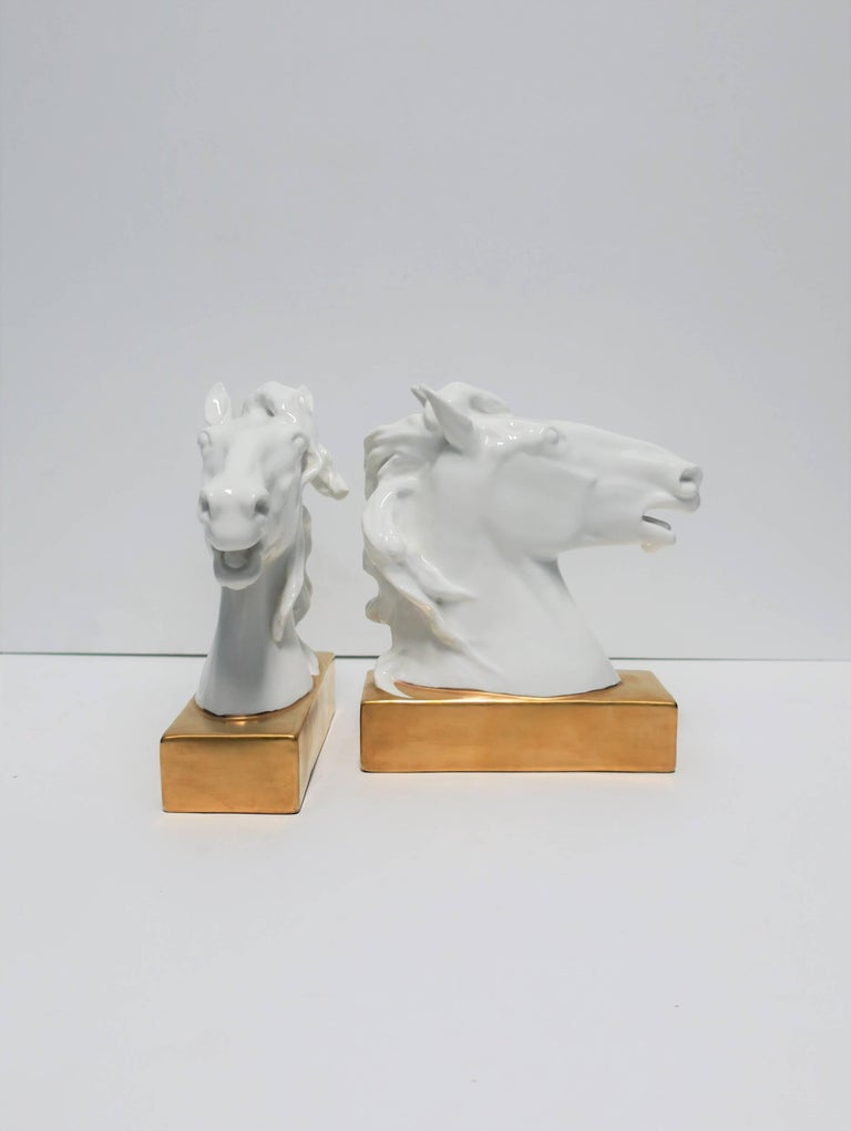 White and Gold Horse Bookends or Decorative Object Sculptures For Sale 1