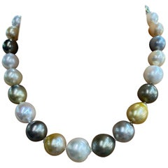 White and Golden South Sea Tahitian Baroque Pearl Necklace 14 Karat Gold