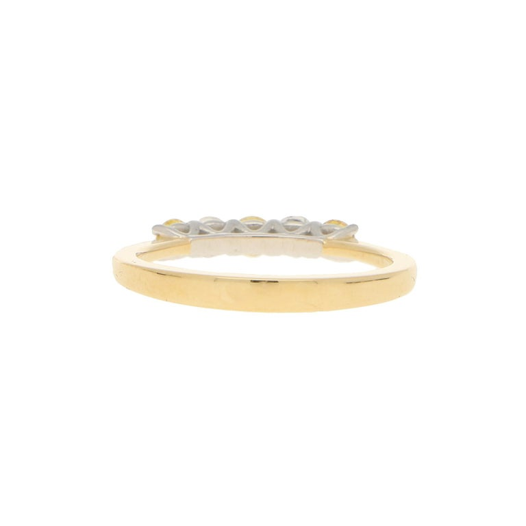 White and Natural Yellow Diamond Half Eternity Ring Set in 18 Karat Yellow Gold In Good Condition For Sale In London, GB