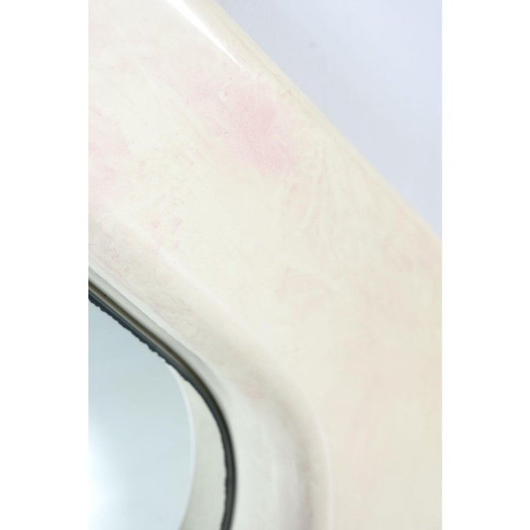White and Pink Lacquer Diamond Shape Memphis Style Modern Mirror In Excellent Condition For Sale In Saint Petersburg, FL