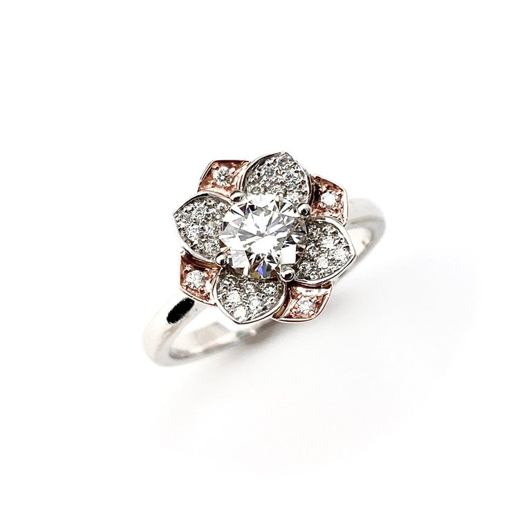White and Rose Gold Diamond Flower Ring In New Condition For Sale In Toronto, Ontario