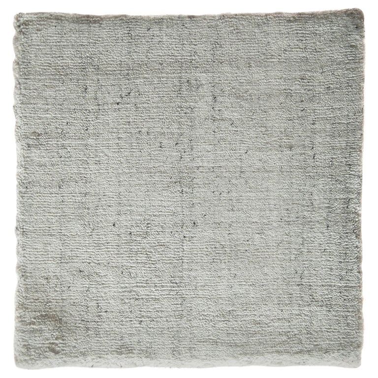 White and Silver Speckled Bamboo Silk Solid Hand-Loomed Contemporary Rug For Sale