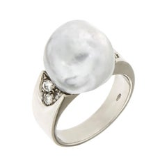 White Australian Pearl Diamonds 18 Karat White Gold Ring Handcrafted in Italy