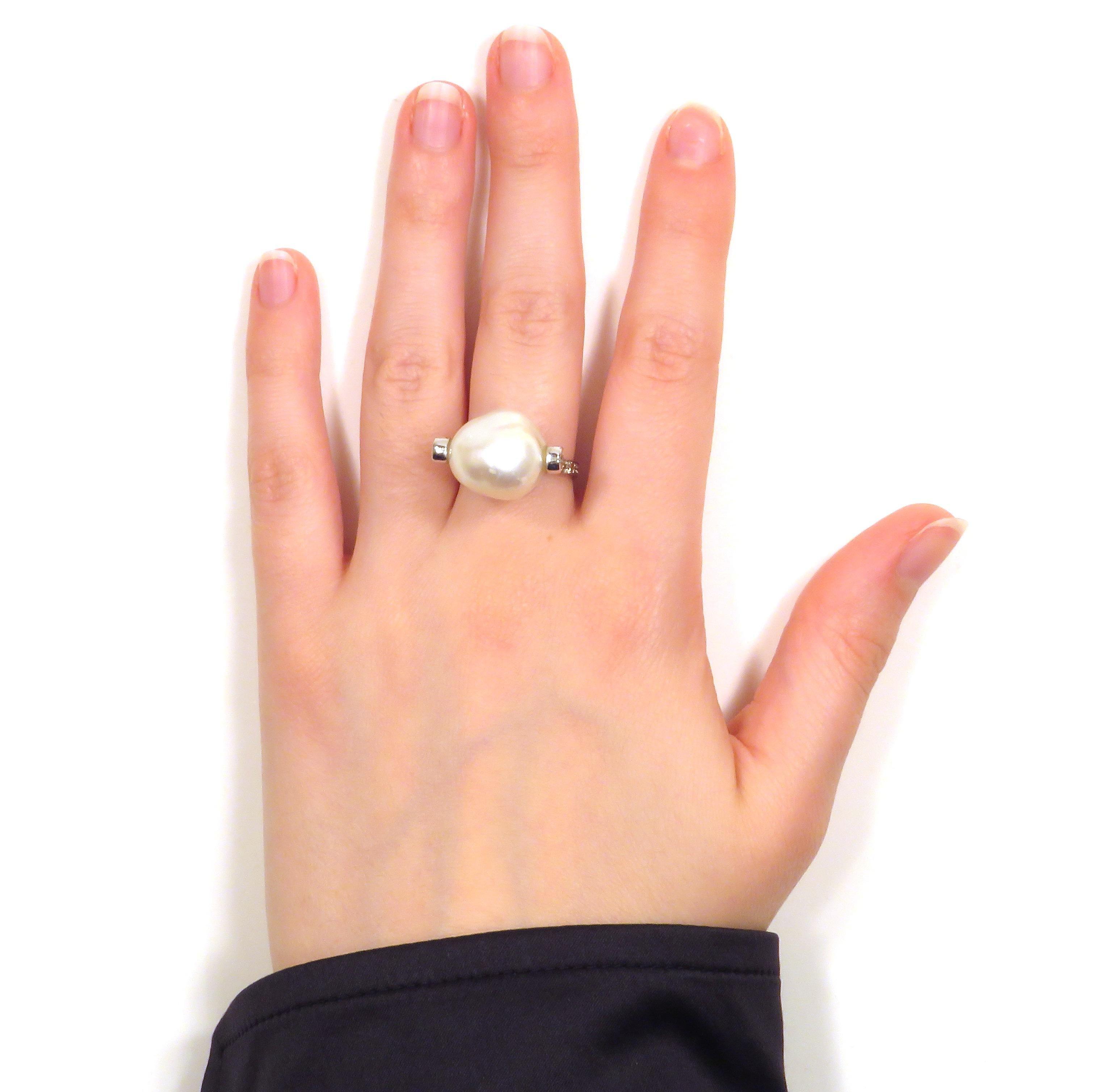 White Australian Pearl Diamonds 18 Karat White Gold Ring Handcrafted in  Italy