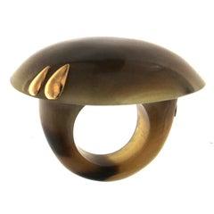 White Bufalo Horn Ring 18 Karat Yellow Gold