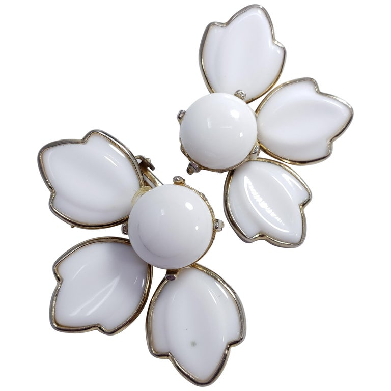 White Carved Glass Petal Clip on Earrings in Gold, Mid 1900s For Sale