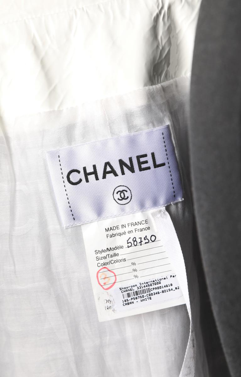 White Chanel vinyl and lamb plunge caban For Sale 4