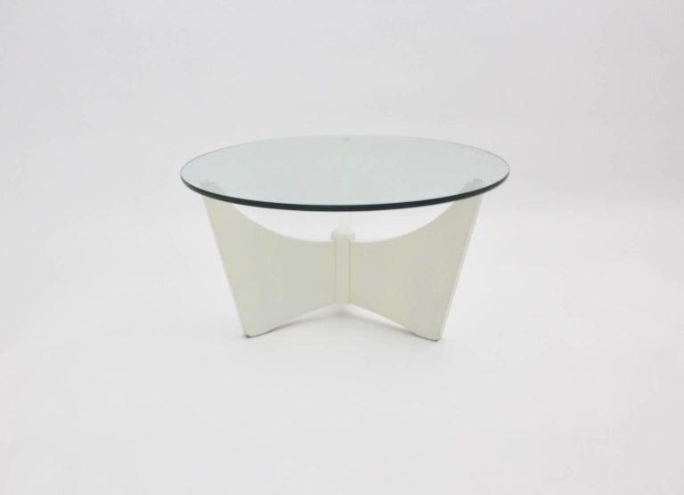 weisser couchtisch mit glasplatte um 1970 4