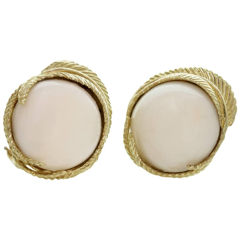White Coral Textured Yellow Gold Clip-On Earrings For Sale