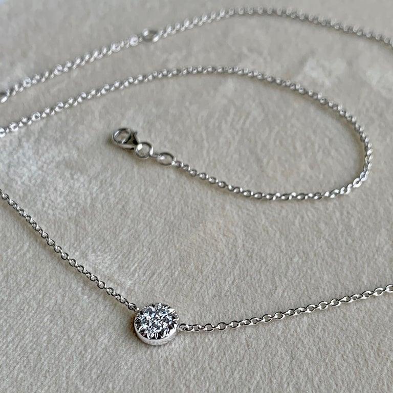 Artist White DEGVVS Brilliant-Cut Diamond Pendant with Necklace For Sale