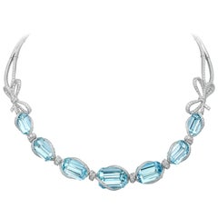 Necklace crafted in 18K White Gold, White Diamonds and Brazilian Aquamarine