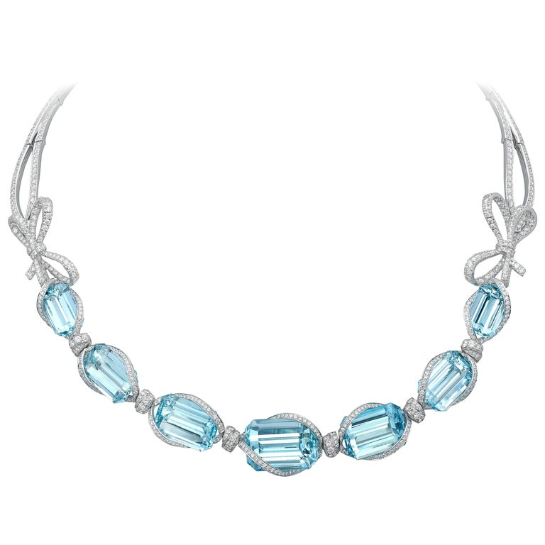 Necklace crafted in 18K White Gold, White Diamonds and Brazilian Aquamarine  For Sale