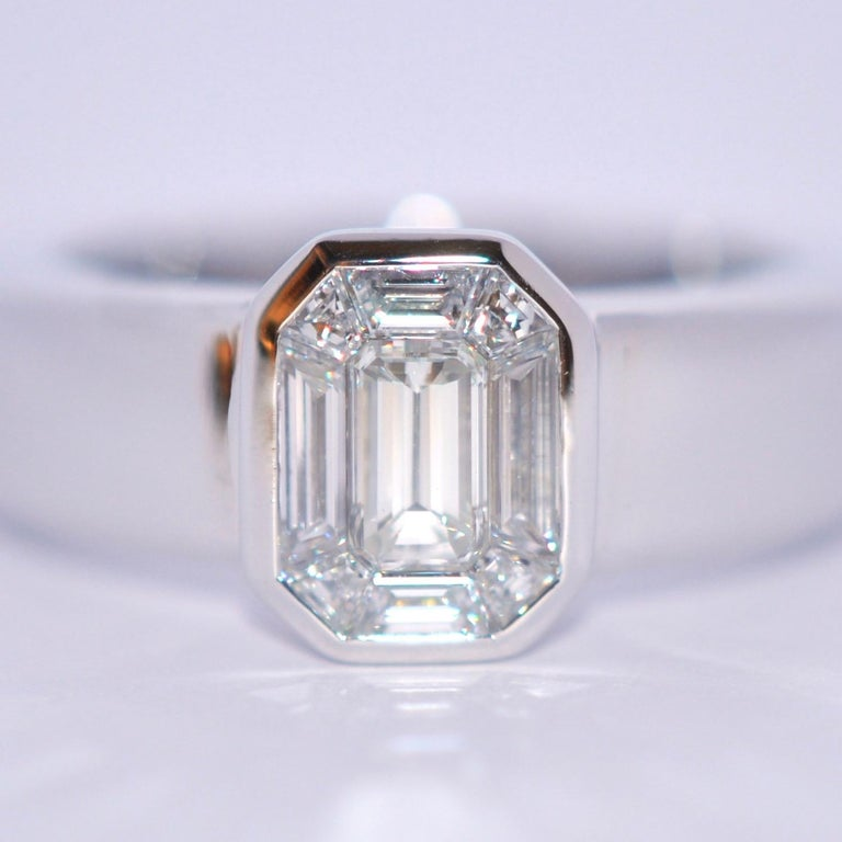 White Diamond and White Gold 18 Karat Solitaire Ring In New Condition For Sale In Vannes, FR