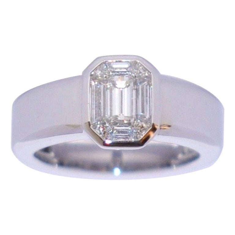 White Diamond and White Gold 18 Karat Solitaire Ring For Sale