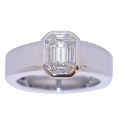 White Diamond and White Gold 18 Karat Solitaire Ring