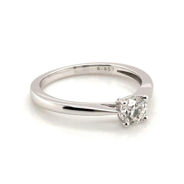 White Diamond Certified Color F on White Gold 18 Karat Solitaire Ring For Sale 6