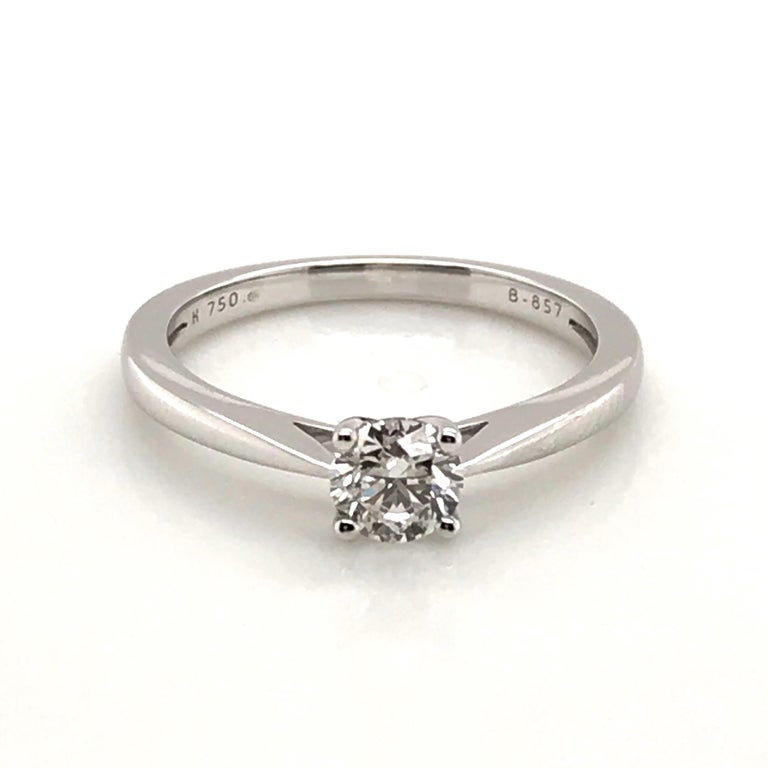 White Diamond Certified Color F on White Gold 18 Karat Solitaire Ring For Sale 10