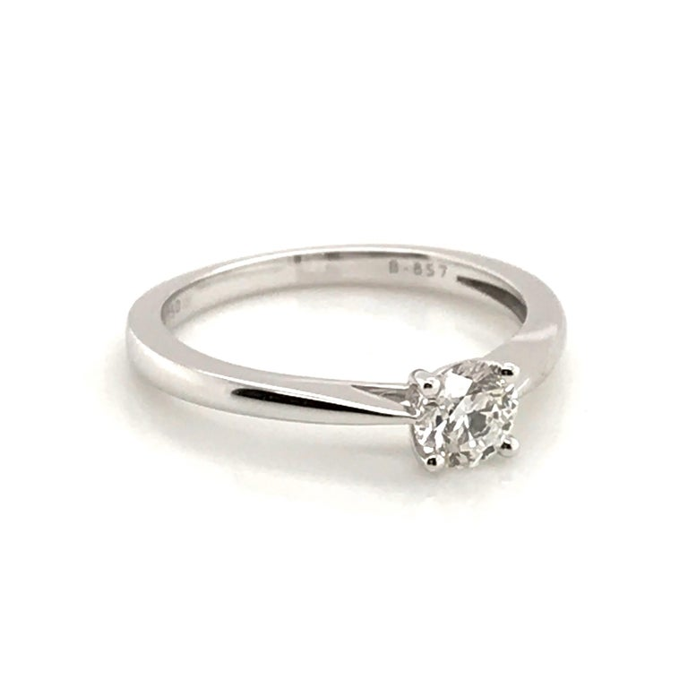 White Diamond Certified Color F on White Gold 18 Karat Solitaire Ring For Sale 11