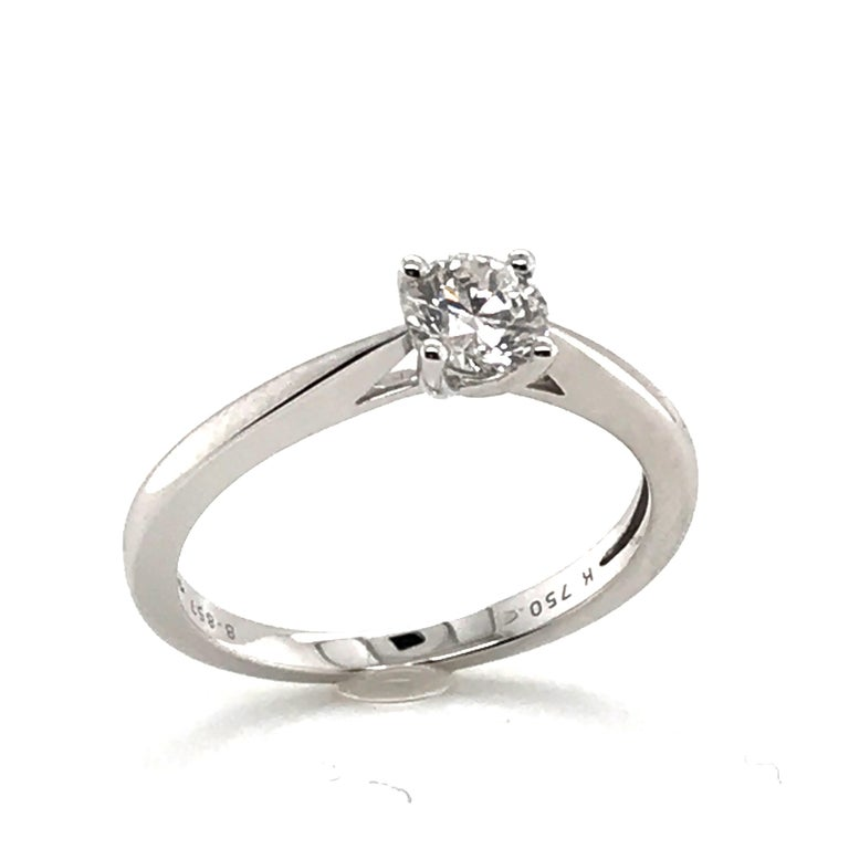 Women's White Diamond Certified Color F on White Gold 18 Karat Solitaire Ring For Sale