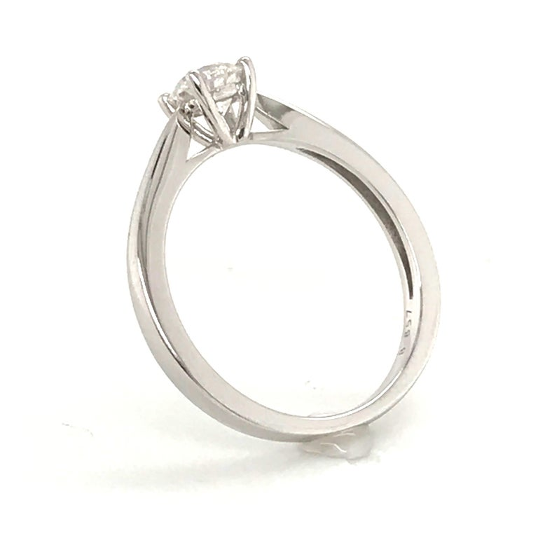 White Diamond Certified Color F on White Gold 18 Karat Solitaire Ring For Sale 1