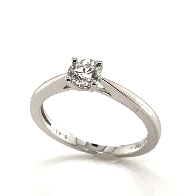 White Diamond Certified Color F on White Gold 18 Karat Solitaire Ring For Sale 4