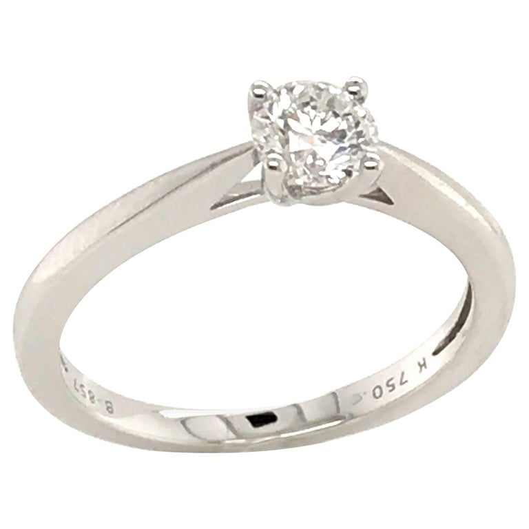 White Diamond Certified Color F on White Gold 18 Karat Solitaire Ring For Sale