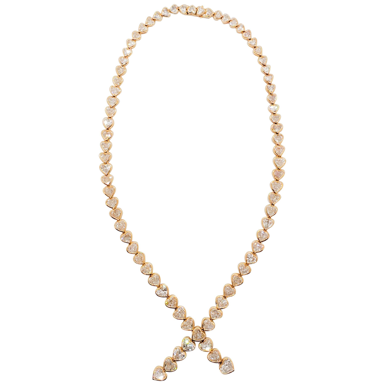 White Diamond Heart Lariat Necklace in 18 Karat Yellow Gold