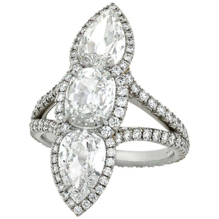 White Diamond North-South Ring, 3.04 Carat For Sale