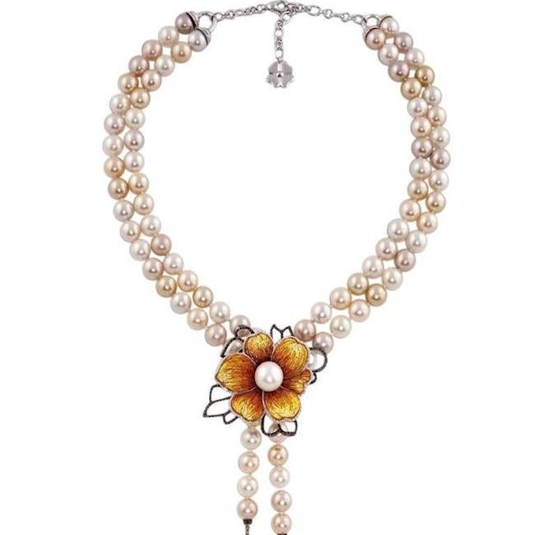 White Diamond Pearl 18 Karat Gold Mosaic Flower Choker Necklace In New Condition For Sale In London, GB