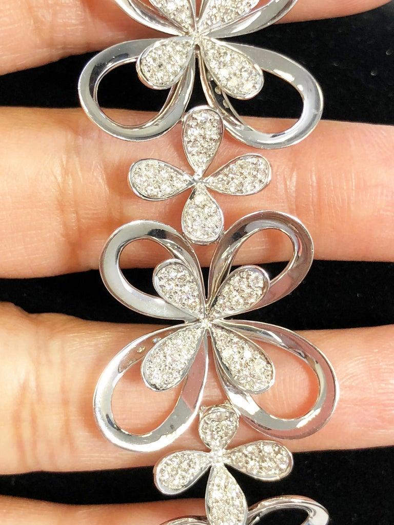 Women's or Men's White Diamond Round Floral Design Bracelet in 18 Karat White Gold For Sale