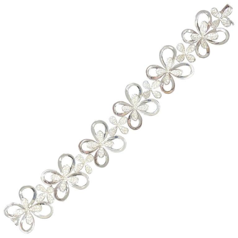 White Diamond Round Floral Design Bracelet in 18 Karat White Gold For Sale