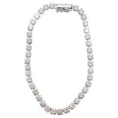 White Diamond Tennis Bracelet in Platinum