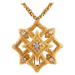 White Diamonds 18 Karat Yellow Gold Star Shape Chain/Pendant Necklace and Brooch