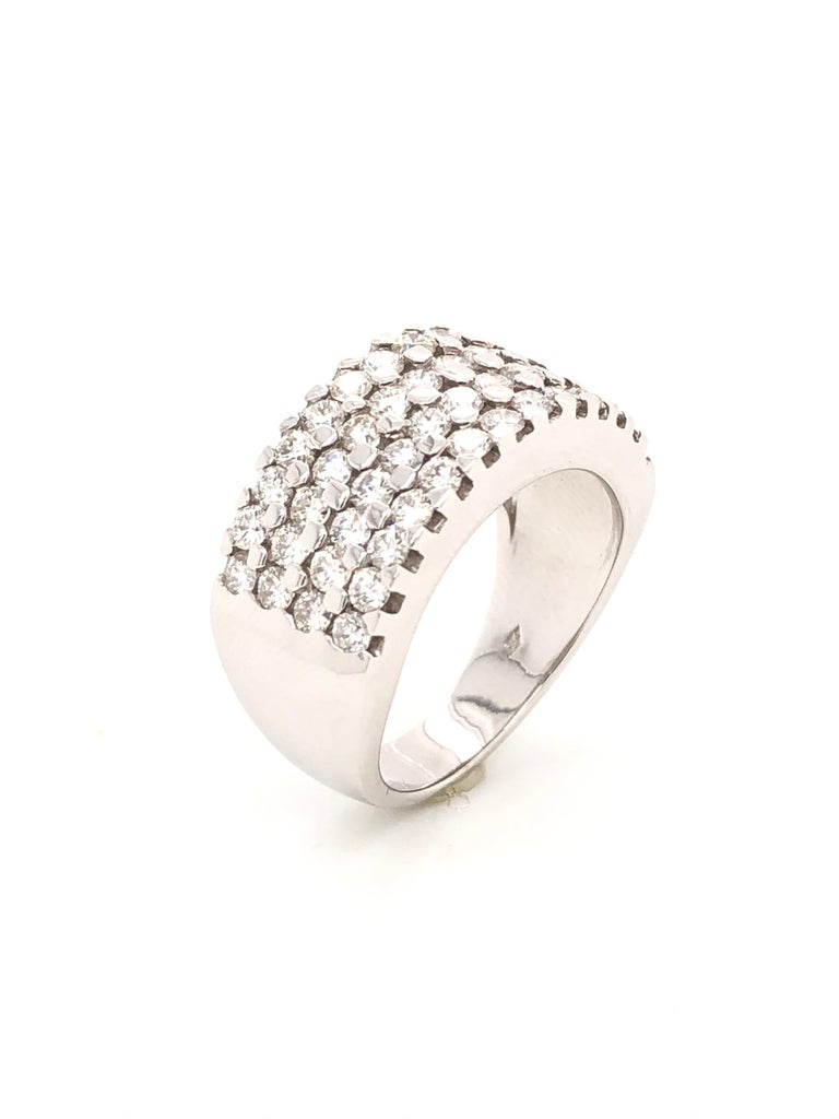 Contemporary White Diamonds 1.85 Carat on White Gold Ring For Sale